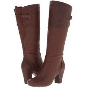 Bare Traps Gallant tall brown heeled boots.